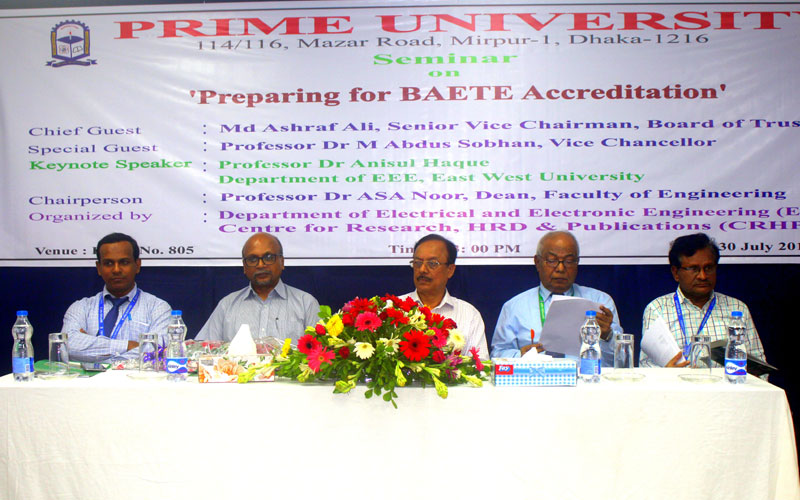 <p>Keynote Speaker with Distinguished Guests and Chairperson of the Session</p>