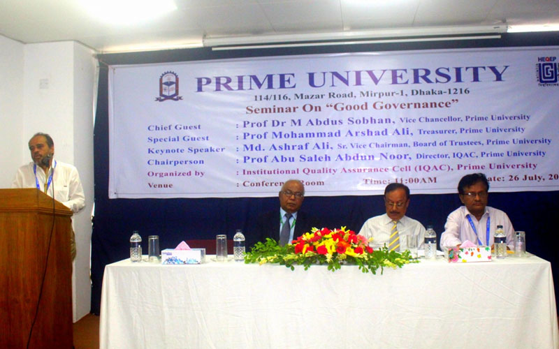 <p>Head, Dept of Business Administration and Proctor is delivering his speech</p>