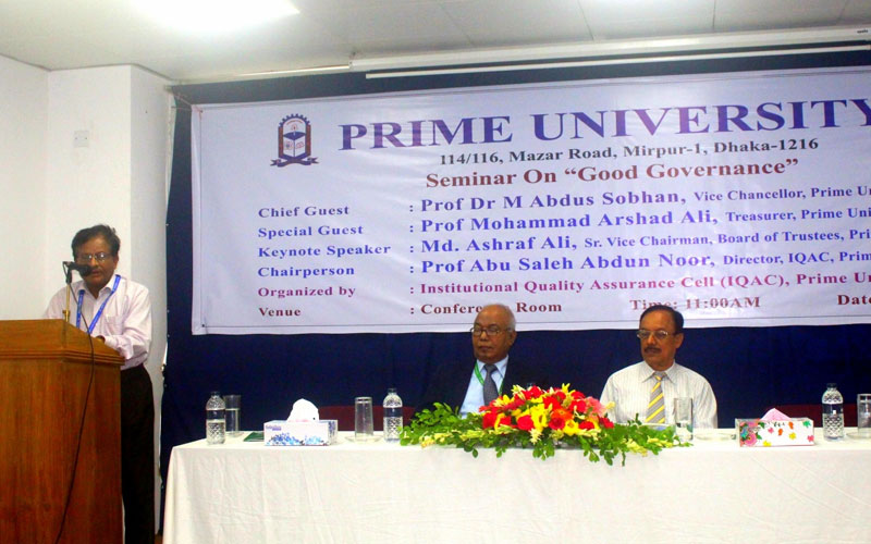 <p>Director, IQAC and Chairperson of this seminar is delivering his speech</p>